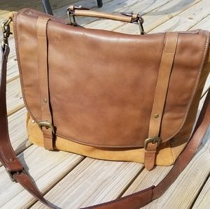 NWOT Leather saddle messenger bag